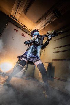 자세가 이상한 흥국이 Cosplay Anime, Cute Cosplay, Cosplay Girls, Human Poses Reference, Pose Reference Photo, Gunslinger Girl, Dynamic Poses, Warrior Girl, Military Women