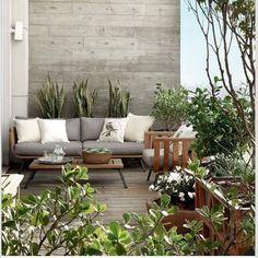 Un mur béton pour une petite terrasse stylée
