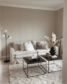 20 tips will help you improve the environment in your bedroom (READ MORE) Home Living Room, Apartment Living, Living Room Designs, Living Room Decor, Home Office Design, Home Interior Design, Living Room Inspiration, Decoration, Home Decor
