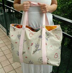 Vi manca la borsa da mare? Nessun problema: seguite il tutorial e realizzate la vostra borsa per la spiaggia come ho fatto io.