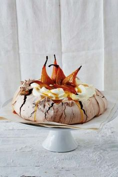 Chocolate Pavlova with Honey-Roasted Pears. its always been a goal of mine to make pavlova Just Desserts, Delicious Desserts, Dessert Recipes, Yummy Food, Trifle Desserts, Meringue Cake, Meringue Food, Meringue Pavlova, Cupcake Cakes
