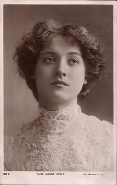 Maude Fealy ♥ late 1800's or early 1900's -  Actress & glamour girl of her day. Nice summation of her life here: http://stuffnobodycaresabout.com/2013/02/06/beauties-of-the-past-maude-fealy/