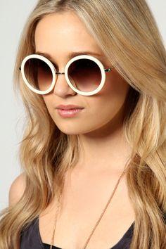 Melissa Retro Round Sunglasses at boohoo.com