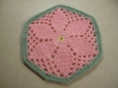 Scrap+Yarn+Crochet:+Free+Granny's+Garden+Hexagon+Crochet+Pattern...I love crocheting hexagons and joining them! They work up so quickly!