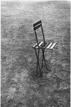 Photo by Robert Frank: Paris, 1949 Popular Photography, Film Photography, Zurich, Robert Frank Photography, Art For Art Sake, Photo Black, Photomontage, Black And White Photography, Family Photos