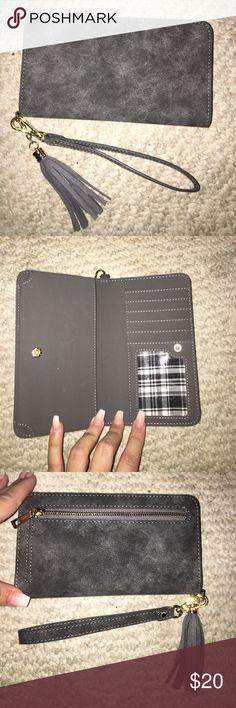 Grey Wristlet/ Wallet Grey Wristlet/ Wallet Other