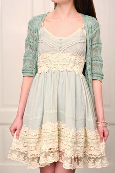Got a date mint lace dress. with cute crocheting and lace at the waist and hem, this lovely piece is endowed with a real bohemian beauty. Ropa Shabby Chic, Shabby Chic Fashion, Shabby Chic Outfits, Shabby Chic Dress, Romantic Fashion, Pretty Outfits, Pretty Dresses, Mint Dress Lace, Moda Boho