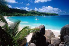 Mit einer Länge von zwölf und einer Breite von fünf Kilometern ist Praslin die zweitgrößte Insel der Seychellen.