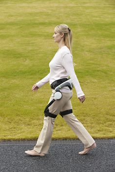 Honda steps forward with walking assist device - http://wideinfo.org/honda-steps-walking-assist-device/