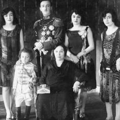 The #Albanian #Royal Family in #1928.