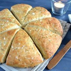 Dutch Recipes, Baking Recipes, Rye Bread Recipes, Recipes From Heaven, Good Healthy Recipes, Dinner Rolls, Bread Baking, I Love Food, Food Videos