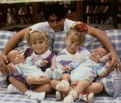 John Stamos-best actor ever!You meaby know him from Full House. Full House Michelle, Full House Cast, Full House Tv Show, Olsen Twins Full House, Full House Funny, Fox Sport, Stephanie Tanner, Yoga Fitness, Dj Tanner