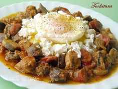 Tochitura, Romanian food (in French) Russian Recipes, Turkish Recipes, Greek Recipes, Italian Recipes, Soup Recipes, Ethnic Recipes, Food In French, Romanian Food, Romanian Recipes