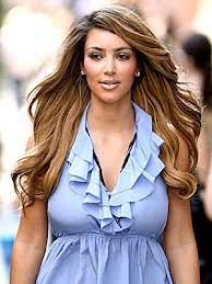 .i love her hair color. and the length is just awesome.