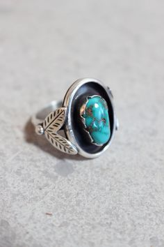 Vintage Ring Turquoise and Sterling Silver Southwestern Jewelry Leaves
