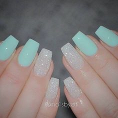 The advantage of the gel is that it allows you to enjoy your French manicure for a long time. There are four different ways to make a French manicure on gel nails. Best Acrylic Nails, Acrylic Nail Designs, Nail Art Designs, Nails Design, Mint Nail Designs, Light Blue Nail Designs, Fancy Nails, Love Nails, Trendy Nails