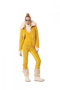 Fusalp: Look 2  Jacket: Morzine  Pants: Sameons  Pull-Over: Aiguille  Seamless: Rosiere  Zdar Boots: Aliona, cre