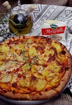 pizza cu cartofi si mozzarella Pizza Lasagna, Mozzarella, Vegetable Pizza, Cookie Recipes, Healthy Recipes, Healthy Food, Meals, Dinners, Food And Drink