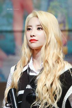 Kpop Girl Groups, Kpop Girls, Eunji Apink, Fandom, Fans Cafe, Cute Asian Girls, Pop Group, Korean Girl, Pixie