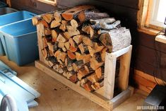 You need a indoor firewood storage? Here is a some creative firewood storage ideas for indoors. Lots of great building tutorials and DIY-friendly inspirations! Firewood Rack Plans, Indoor Firewood Rack, Firewood Basket, Firewood Holder, Outdoor Fireplace Plans, Fireplace Tool Set, Outdoor Fireplaces, Indoor Log Storage, Wood Burning Stove Corner