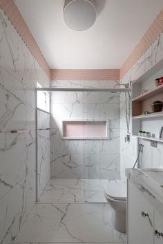 Interiores Design, Alcove, Sweet Home, Bathtub, Bathroom, Closet, Home Decor, Boy Bathroom, Small Shower Room