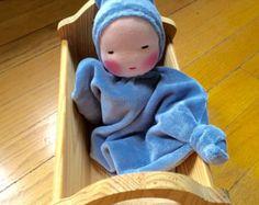 Juguetes Waldorf muñeca hecha a mano muñeca de manta bebé