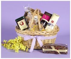 GIFT BASKET TREAT - Great gift for any occasion. Traditional willow shopping basket packed with treats. Food Hampers by Web Hampers. Food Hampers, Gift Hampers, Gift Baskets, Great Gifts, Christmas Gifts, Packing, Treats, Traditional, Shopping
