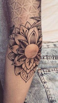 Mandala Tattoo Sleeve Women, Geometric Sleeve Tattoo, Tattoos For Women Half Sleeve, Tattoo Sleeve Designs, Forarm Tattoos, Leg Tattoos, Body Art Tattoos, Piercing Tattoo, Piercings