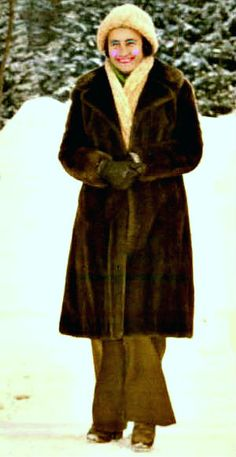 Lovitură de stat 1989 | Nicolae Ceauşescu Preşedintele României site oficial Gq, Childhood Memories, History, Instagram, Military, Venice, Historia
