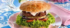 Burgere er alltid velkomne til middag. Spesielt på en iskald januarmandag. Prøv denne oppskriften som gir både en sunn og velsmakende burger.