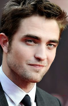 verenajj:   BERLIN_2012_COSMOPOLIS_PREMIERE - she lives in a fairytale somewhere too far for us