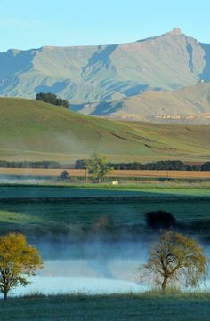 House at The Stables offers a spectacular view of the Drakensberg Mountains. Kwazulu Natal, Girl Blog, Mountain Range, Stables, Scenery, Mountains, Nature, House, Travel
