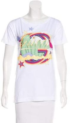 White Gucci T-shirt with bateau neckline, short sleeves, glitter logo graphic at front and rib knit trim throughout. Bateau Neckline, Short Sleeves, Long Sleeve, Rib Knit, Graphic Tees, Gucci, Glitter, Logos, Sweaters