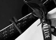Allude | Bibliothèque Design