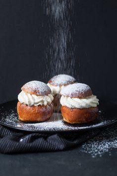 Une recette de Semlor à dévorer le Mardi gras Blueberry Scones, Vegan Blueberry, Beignets, Oven Inspiration, Canned Blueberries, Vegan Scones, Gluten Free Flour Mix, Scones Ingredients, Crunch