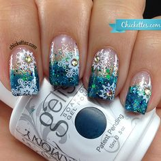 2015 Christmas frozen glittery snowflake nails with diamond - Ombre Snowflake Design, Silver Designs Fabulous Nails, Gorgeous Nails, Pretty Nails, Winter Nail Designs, Cute Nail Designs, Fancy Nails, Love Nails, Holiday Nails, Christmas Nails