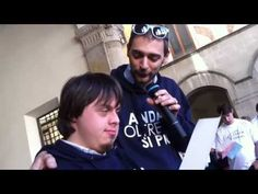 """Il live di Iacopo e Samuele in occasione della presentazione del Premio """"Andare oltre si può"""" 2013 a Villaggio Solidale - Festival del Volontariato, Lucca 14.04.2013"""