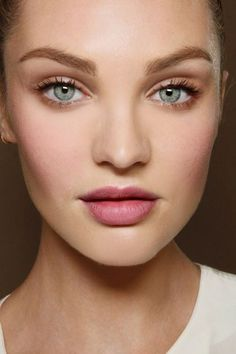 Rosy eyeshadows, clear skin, natural pink lips.  Good foundation is the most important thing in makeup!