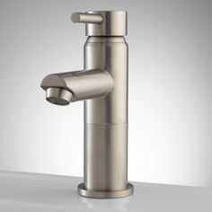 Uno Single-Hole Bathroom Faucet with Pop-Up Drain