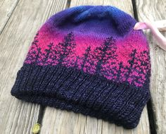 Ravelry: Alaska pattern by Camille Descoteaux Loom Knitting Patterns, Knitting Projects, Crochet Projects, Crochet Patterns, Knitting Tutorials, Stitch Patterns, Fair Isle Knitting, Knitting Yarn, Free Knitting