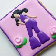 1 Dozen Selena Sugar Cookies by AuntieApple on Etsy