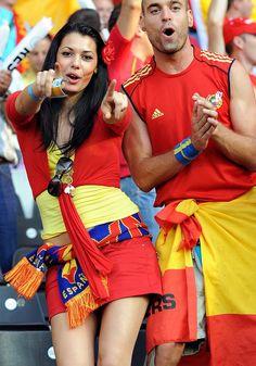Beautiful Spanish Fans of Euro 2012 ~ Istoryadista