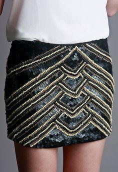 SAIA BORDADA PAET�S E P�ROLAS Bordados Tambour, Tambour Embroidery, Diy Embroidery, Skirt Fashion, Diy Fashion, Womens Fashion, Dance Dresses, Short Dresses, Feminine Style