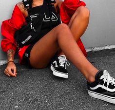 57 Newest Street Style Looks To Look Cool Fashion Trends Urban Outfits, Trendy Outfits, Summer Outfits, Fashion Outfits, Womens Fashion, Fashion Trends, Sneakers Fashion, Fashion Shoes, Fashion Killa
