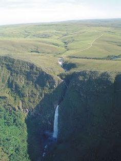 Cachoeira Casca d'Anta, no Parque Nacional da Serra da Canastra.