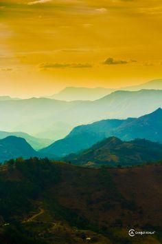 https://flic.kr/p/w7Mw9u | Montañas de Cundinamarca en Colombia | Fotografia de San Francisco en el departamento de Cundinamarca en Colombia.