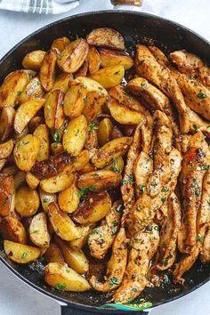 Garlic Butter Chicken and Potato Skillet - Delicious Food -  Garlic butter chicken and potato pan #familienessen #rezepte  - #butter #chicken #delicious #Dinners #Food #garlic #GlutenFree #PeanutButter #potato #skillet<br> Easy Appetizer Recipes, Easy Healthy Recipes, Asian Recipes, Easy Meals, Dinner Recipes, Dinner Ideas, Healthy Food, Filipino Recipes, Fish Recipes