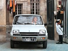 1974 The Renault 5 represents the first mini car ever manufactured by Renault and was available in two body styles, a 3 and a hatchback. Citroen Ds, Matra, Automobile, Gt Turbo, Nissan Infiniti, Car Brochure, Car Advertising, France, Small Cars
