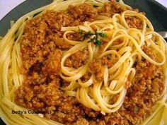 Betty's Cuisine: Κιμάς για μακαρόνια Cookbook Recipes, Cooking Recipes, Mince Meat, Spaghetti, Pasta, Ethnic Recipes, Food, Rice, Kitchens