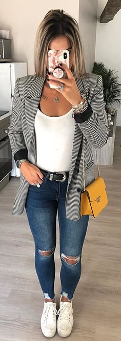 003 looks com tenis, gray blazer, outfit jeans, blazer out Mode Outfits, Sport Outfits, Casual Outfits, Gray Outfits, Blazer Fashion, Fashion Outfits, Womens Fashion, Travel Outfits, Fashion 2018